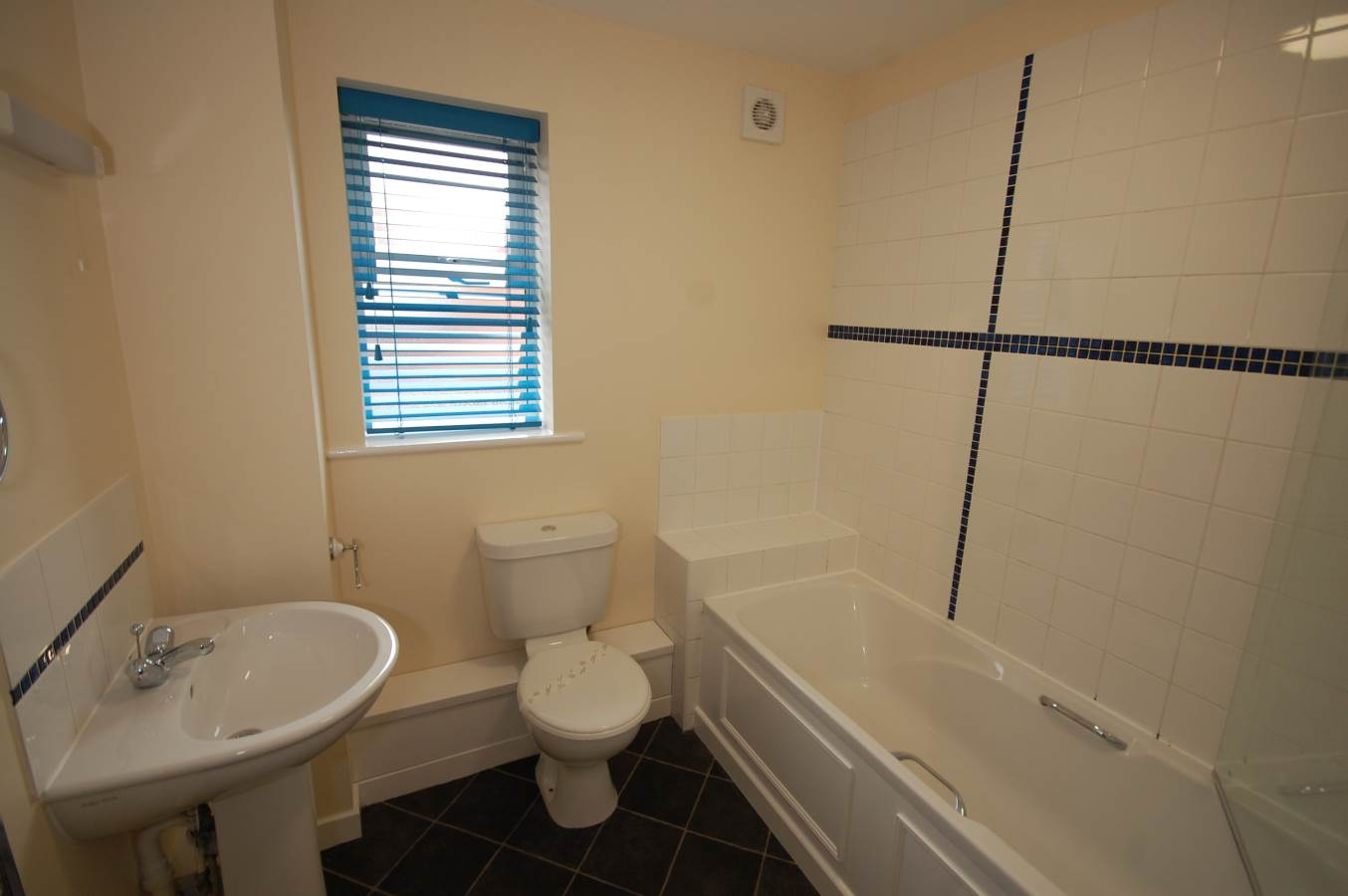 Flat 9 1 Cottesmore Road Nottingham Ng7 1qe